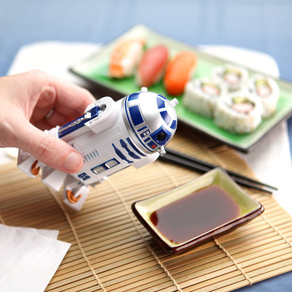 Star-Wars-R2-D2-Soy-Sauce-Dispenser