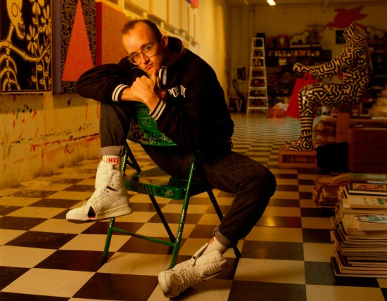 Keith-Haring-in-his-NY-Studio-550x428