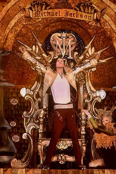 michael-jackson-hologram-2014-billboard-music-awards-performance-400