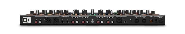 img-TKS8_hardware_04_audio-interface_01-6903b026ff59dee2d7cf5f453a680e1d-d