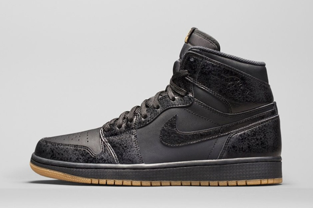 air-jordan-1-high-black-gum-bump-3